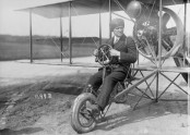 Pilot Lincoln Beachey in early biplane