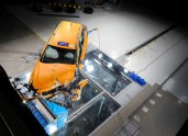 223508_New Volvo V60 crash test still
