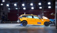 223512_New Volvo V60 crash test still